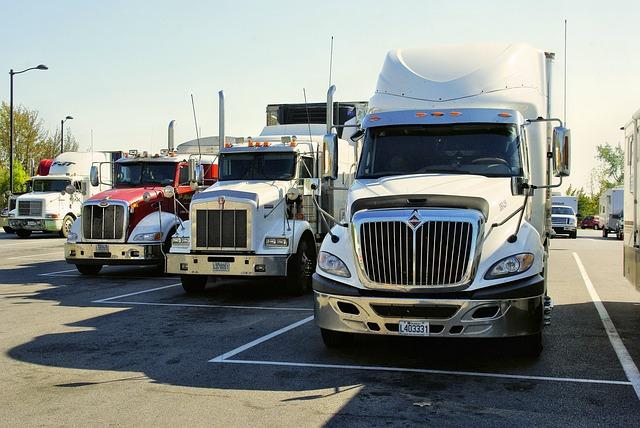 נתקעתם עם משאית ישנה? לא משלמים לפינוי! פונים לקונה משאיות לפירוק וחוסכים.