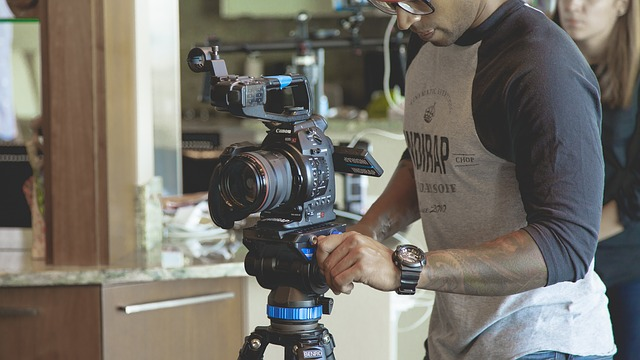 סרט תדמית באנגלית - כל עסק חייב אחד