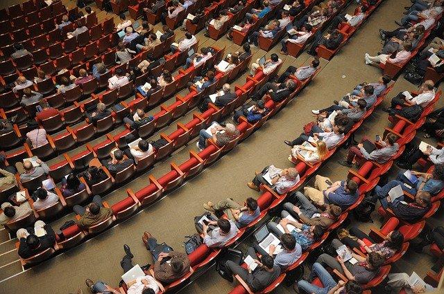 איך לדבר היטב מול קהל