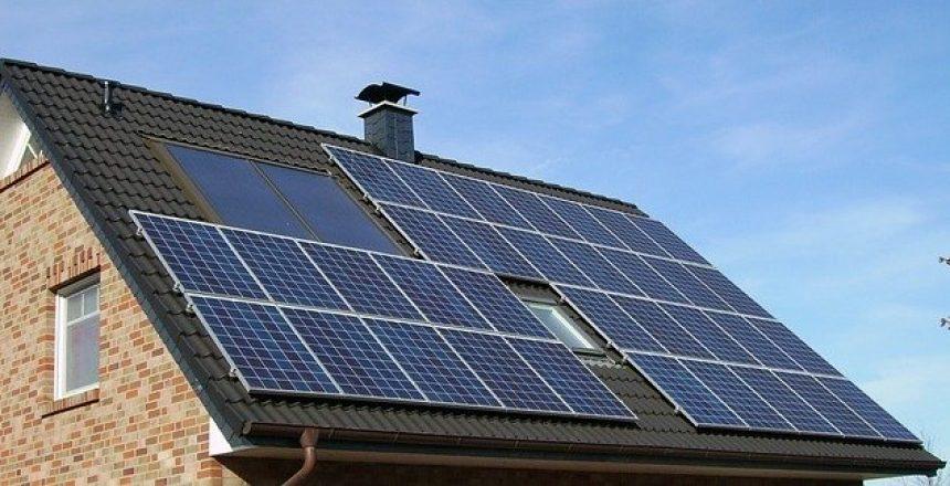 מערכת סולארית בבית פרטי